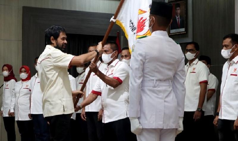 Mualem Lantik Pengurus KONI Banda Aceh