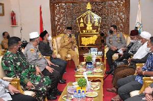 Bupati Bireuen Sambut Kedatangan Kapolda Aceh Ke Bireuen