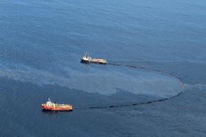 Pertamina Sigap Tangani Lapisan Minyak di Lepas Pantai Aceh Timur