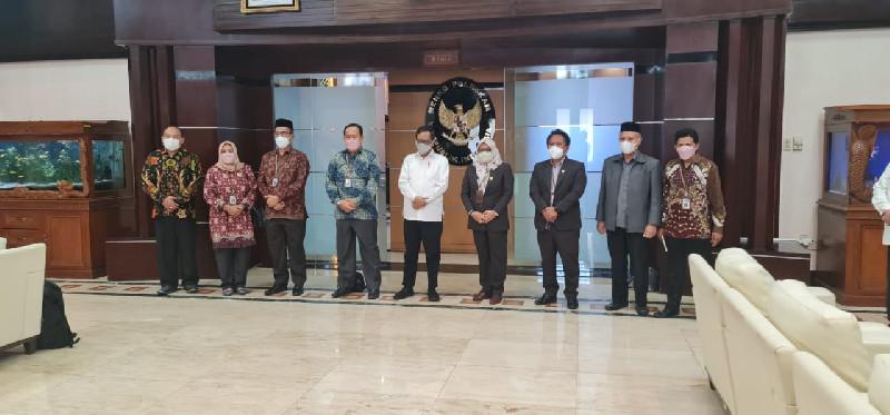KKR Aceh Bersama LPSK Sillaturrahmi Bersama Menko-Polhukam