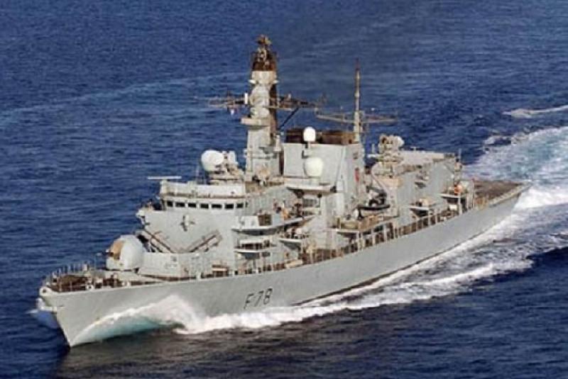 China Berang, Kapal Perang Inggris Lewat Selat Taiwan