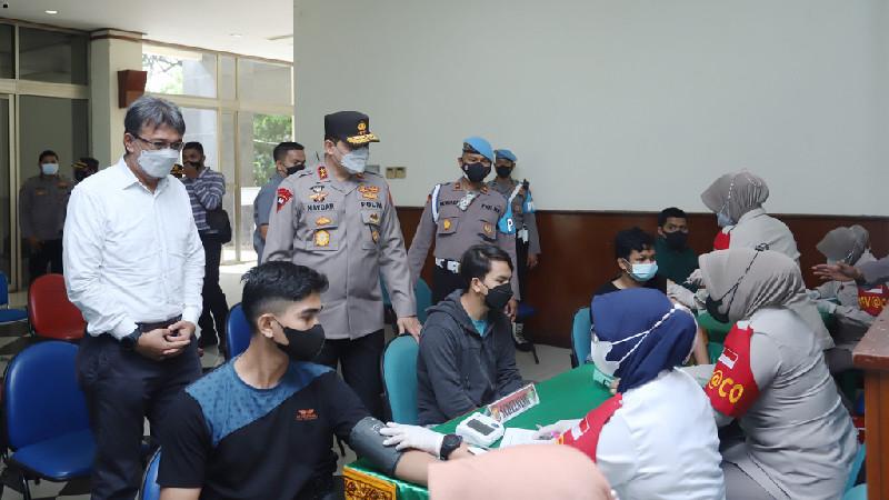 Tinjau Vaksinasi di USK, Kapolda Aceh: Kolaborasi Penting Untuk Herd Immunity