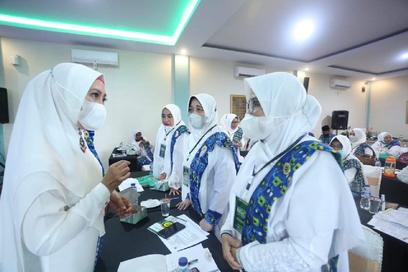 Hadiri Rakor BKMT se-Aceh, Fauziah Paparkan Program Kerja Tahun 2022