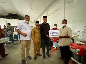 TA Khalid Serahkan Alsintan Untuk Petani di Bireuen