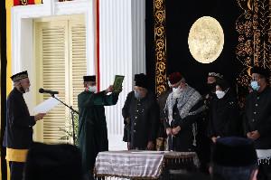 Wali Nanggroe Kukuhkan Anggota Majelis Tuha Peut