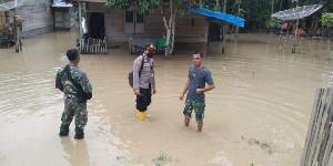 Kapolsek Samudera Pantau Lokasi Banjir di Sejumlah Desa