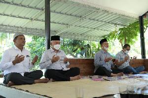 Sekda Aceh Berta'ziah ke Rumah Almarhumah Hj Fatimah