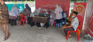 BIN dan Muspika Krueng Barona Jaya Aceh Besar Gencarkan Vaksinasi Warga