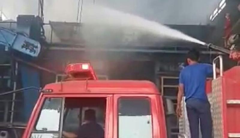 Elevator Rebusan Buah PKS Milik PTPN 1 di Aceh Tamiang Terbakar